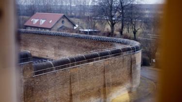 Fængslerne har været overbelagt, efter at straffene er blevet skærpet det seneste årti. Her statsfængslet i Vridsløselille.