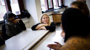 Tosprogede bliver ofte stemplet som ressourcesvage, men man kan simpelthen ikke sætte lighedstegn mellem de to, fortæller klasselærer Krista Clausen om hendes velfungerende elever i 9.b på Blågård Skole