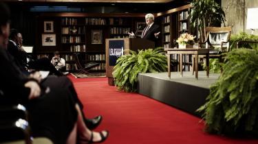 På Texas University blev republikaneren Newt Gingrich præsenteret som 'ph.d. i europæiske ideer'.