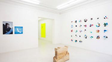 Den verdenskendte konceptkunstner Ryan Gander skuffer ikke i sin første udstilling i Danmark