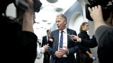 Udenrigsminister Villy Søvndal (SF) mener, at dansk støtte på to mio. kr. til Syriens oprørere er ok.
