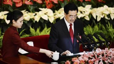 Der var sørget for forfriskninger til Hu Jintao under hans lange tale til Kinas Kommunistiske Partis kongres.