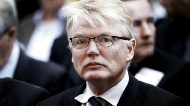 Et af de helt centrale spørgsmål, som Skattesags-kommissionen skal forsøge at afklare, er, i hvilket omfang departementschef Peter Loft ifølge loven måtte nærme sig Stephen Kinnocks skattesag