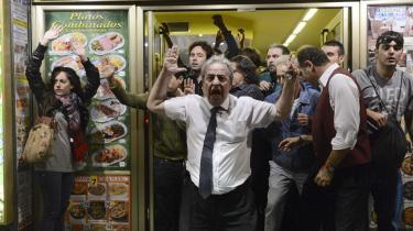De demonstrerende spaniere, portugisere og grækere får ingen hjælp fra de nordeuropæiske økonomier. Snarere kamp til stregen i konkurrencen om de potentielle kunder og investorer, der kan få gang i produktion og beskæftigelse igen.