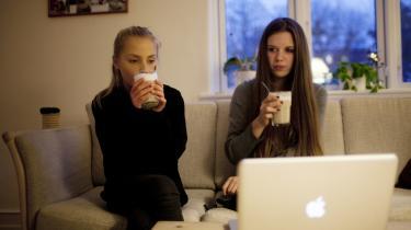 Vibe Toftum og Hannah Lohmann Devantier, der begge går i 8. klasse mener, at en længere skoledag vil forhindre dem i at dyrke de fritidsaktivister, som de går til i dag