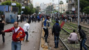 Det komt til voldsomme gade-kampe i går i Alexandria mellem islamister og mere sekulære egyptere om forfatningen.