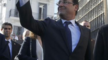 Tusindvis af algiere var på gaden i den hvide hovedstad og hyldede præsident François Hollande og bød ham velkommen til  Algier med blomster og flag. Glæden var oprigtig og næppe beordret af præsidents Bouteflikas styre.