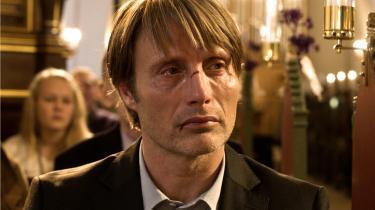 'Jagten' har et enormt trumfkort i Mads Mikkelsens intelligent sympatiske underspil som Lukas.