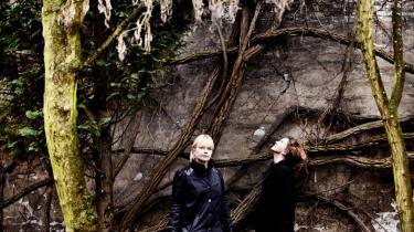 Ursula Andkjær Olsen og Elisabeth Friis vil kaste sig over de store samfundsspørgsmål, som både kunsten og forskningen er optaget af, og undersøge, hvordan menneskers liv ser ud ud fra såvel forskningsmæssige som kunstneriske vinkler.