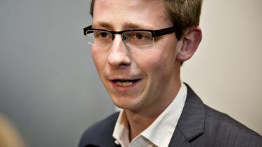Venstres retspolitiske ordfører, Karsten Lauritzen vil have undersøgt og uddybet, hvad PET må bruge de oplysninger, de har indsamlet om politikerne, til
