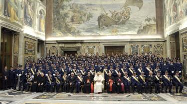 I Vatikanet er man gået meget langt for at bevare det som en hemmelighed, at de mange millioner, der er investeret i ejendomme over hele Europa, stammer fra Mussolini. Foto: Scanpix