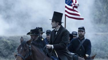 Steven Spielbergs nye film om Abraham Lincolns kamp for at få slaveriet ophævet gennem en forfatningsændring i Kongressen giver ifølge historikeren Eric Foner et fortegnet billede af præsidentens betydning i det lange historiske forløb