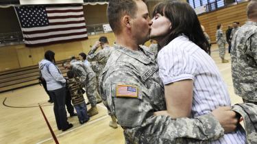 Det er ikke kun de unge amerikanske soldater, der har gjort tjeneste i Irak og Afghanistan, der har psykiske problemer efter hjemkomsten. Mange veteraner fra Vietnamkrigen har det stadig dårligt, og et stort antal ender med at tage deres eget liv.