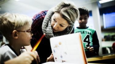 Når den nye danske læreruddannelse skal træde i kraft, bør vi kigge i retning af Finland. Her bygger undervisningen på læreruddannelserne på forskningsbaseret viden og ikke på sociologiske teorier.