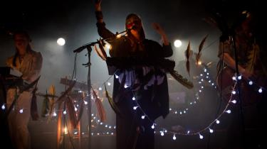 Norske Highasakite leverede et mylder af indiansk klingende vokalharmonier og længselsfuldt stampende stammegrooves på Årets By:Larm-festival i Oslo.