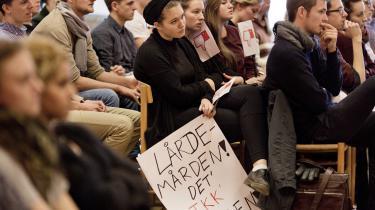 Utilfredsheden med regeringens kommende SU-reform fik frit løb, da der i går blev holdt dialogmøde mellem de studerende og uddannelsesminister Morten Østergaard i Aarhus