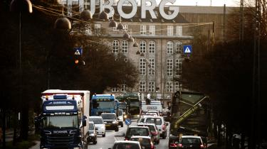 De europæiske økonomier baserer sig på varetransport over lange afstande. Men der er en skjult omkostning, som betales i form af år med forringet helbred, påpeger det Europæiske Miljøagentur. Foto: Jacob Dall
