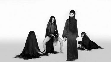 Fire kvindelige kunstnere, der bruger kroppen i kunsten