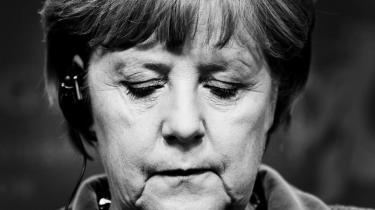 Den tyske kansler Angela Merkel har hidtil afvist at åbne den tyske pengekasse, men nu bliver hun presset af flere og flere lande