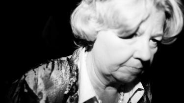 I februar 2009 havde Birthe Rønn Hornbech besluttet, at hun selv personligt ville drøfte fortolkningen af den FN-konvention, som gav statsløse unge særlig adgang til statsborgerskab, når hun til juni skulle mødes med nordiske kolleger. Som følge af den beslutning blev fuldmægtigene i Indfødsretskontoret sat til at skrive afslag på stribe til de statsløse unge