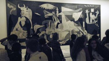 Picassos 'Guernica' kan i dag ses på Spaniens nationale museum for moderne kunst, Museo Reina Sofia, i Madrid.