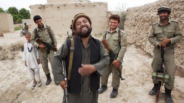 Mine trofaste. Meham Shahs fortæller påfaldende ugenert om frygten for de amerikanske kamphelikoptere. Det er ikke en frygt, der svækker hans autoritet, for den frygt deler han med sine mænd 'Mine trofaste', som han kalder dem.