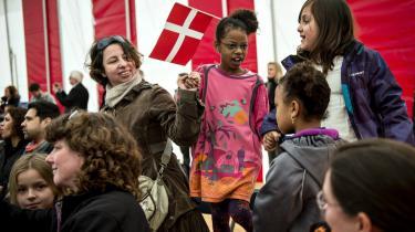 Den årlige fest for nye danske statsborgere på Christiansborg. Hvor går grænsen mellem at teste de medborgeres viden og færdigheder – og så en egentlig sindelagskontrol. Er der holdninger man ikke må have som ny dansker: Foto: Thorkild Adsersen/Scanpix