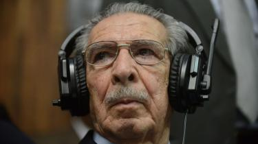 Dommen over Guatemalas tidligere præsident, Rios Montt, er ikke bare en dom over den 86-årige ekspræsident, men også i vid udstrækning over landets nuværende elite, hvor blandt andet den siddende præsident har en fortid i borgerkrigen, der er svær at adskille fra Montts