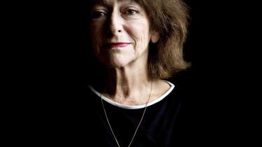 Nye digte af Janina Katz lever på præcision og fortætning, tilsat en forsonende humor