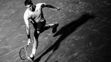 Besiddelse. I bourdieusk forstand 'besidder' spillet en spiller som Roger Federer, forklarer Carsten Stestoft: Han har viet sit liv til det. Hans handlinger er struktureret af spillet, og hans hjerne- og kropsaktivit er underlagt det .