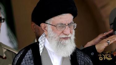 Irans øverste leder, ayatollah Khamenei, spiller et risikabelt spil ved dette års præsidentvalg. Vil den brede befolkning spille med på disse præmisser, og har de et alternativ?