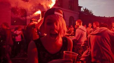En festival som Distortion, der nærer sig ved kaos og uforudsigelighed, kan ikke blive ved med at vokse. Det bør arrangørerne tage ad notam.