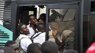 Trafik. I Abidjan i Elfenbenskysten blev der brugt data fra 2,5 milliarder opkald fra fem millioner kunder hos teleselskabet Orange i byplanlægningen. Det resulterede blandt andet i anlæggelsen af to nye busruter.