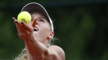 I tennis er der de 'provokerede' fejl og så de fejl, en spiller begår af sig selv. For Caro- line Wozniacki synes det, at der står en modstander på den anden side af nettet, tilsyneladende være nok til at fremprovokere en fejl.