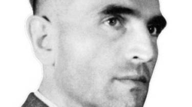 Han var Hitlers mand i Danmark under besættelsen og i det hele taget en af nazisternes hovedmænd, men var det ham eller hans underordnede, der reddede de danske jøder fra deportation til Tyskland? Det spørgsmål søger journalist og historiker Niels-Birger Danielsen at besvare i sin nye store biografi om Werner Best