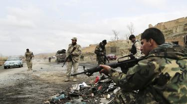 Indtil nu har det været en amerikansk betingelse for fredsforhandlinger, at Taleban afstår fra vold i Afghanistan.