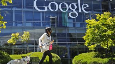 Databanker. Google og de øvrige giganter på internettet genererer dagligt enorme mængder data. Brugen af dem er helt uigennemskuelig og for en stor dels vedkommende primært underlagt firmaernes egen regulering.