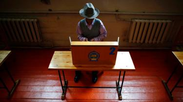 Det virker naturstridigt, men i dag er der demokratisk præsidentvalg i Mongoliet for sjette gang. Mange faktorer gør ellers, at demokratiet i lande som Mongoliet stort set aldrig fungerer. Men landet mellem Kina og Rusland er undtagelsen