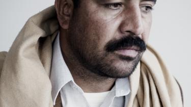 Tarin er en af de afghanske fanger, der blev overdraget til amerikanerne, hvor han hævder at være blevet udsat for overgreb.