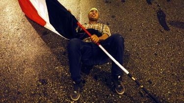 Det Muslmske Broderskabs tilhængere demonstrerer stadig til fordel for den afsatte præsident Mursi på trods af, at han selv har brændt alle broer til magten. Foto: Mahmud Khaled