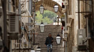 De nyeste officielle tal fra EU's statistikbank, Eurostat, viser, at arbejdsløsheden i Kroatien blandt de 18-24-årige nåede 51 procent i første kvartal af 2013 – mere end det dobbelte af EU-gennemsnittet på 23,5 procent og kun overgået af Grækenland og Spanien.