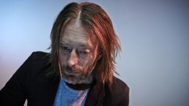 Thom Yorke har fjernet sin  musik fra streamingtjenesten Spotify i protest mod aflønningen af upcoming kunstnere. 'Nye kunstnere, du opdager på #Spotify, vil ikke få nogen penge. Til gengæld vil aktionærer inden længe rulle sig i dem. Så simpelt er det,' skriver Yorke på Twitter.