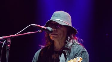 Den nylegendariske amerikanske singersongwriter Rodriguez måtte hjælpes ind på scenen på Vanguard Festivalen, og hans optræden kunne man ifølge avisens anmeldere godt have været foruden. Men den nye festival bød heldigvis også på gode koncerter og stemningsfulde, smukke og gennemtænkte rammer.