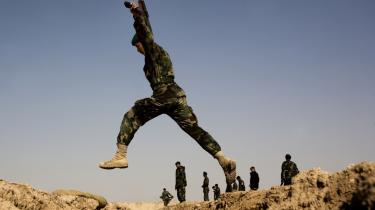 Afghanistans hær, ANA, får en endnu vigtigere rolle, når landet selv bliver ansvarlig for dets sikkerhed. Derfor er det vigtigt at tøjle hæren med civil kontrol, skriver dagens kronikør.
