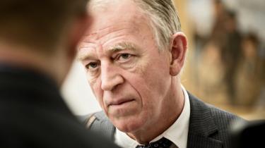 Hvis regeringen prioriterede udenrigspolitikken, havde der fredag lydt et farvel til Villy Søvndal (SF) som udenrigsminister, mener kommentatorer.