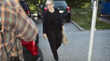 Lisbeth Rasmussen blev i går på ny afhørt i Skattesagskommissionen. Hun forklarede, at hun forgæves havde forsøgt at overbevise direktør for Skat København, Erling Andersen om, at det var uacceptabelt at ændre i sagens akter.