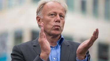 De Grønne er kommet yderligere i modvind, efter det er kommet frem, at partiets formand, Jürgen Trittin, i firserne advokerede for at legalisere 'frivillige' seksuelle relationer mellem børn og voksne.