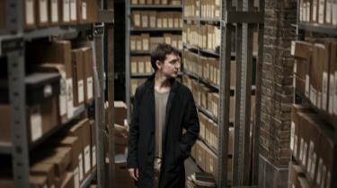 Mikkel Nørgaard har instrueret 'Kvinden i buret', der er baseret på Jussi Adler-Olsens populære kriminalromaner om den livstrætte kriminalassistent Carl Mørck, der efter en skudepisode bliver sat til at gennemgå gamle, uopklarede sager.