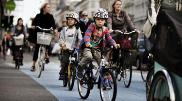 Det er ikke nok at styrke den kollektive trafik og skabe bedre forhold for cyklister, hvis man vil mindske trængslen i hovedstaden og sænke CO2-udledningen. Biltrafikken skal begrænses.