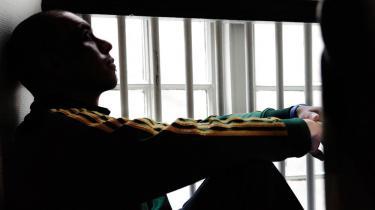 Efter fængslet venter friheden. Men også en række forhindringer, som gør det svært for tidligere straffede at finde fodfæste i samfundet. Motivationen for at vende ryggen til kriminalitet er for lille, mener forsker